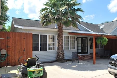 Acadian House - Baytown - Casa