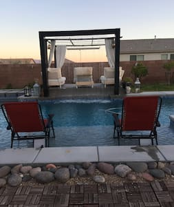 Pool/strip view sleeps 4 - Henderson - House