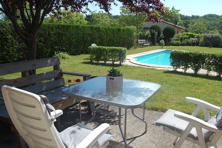 Gezellig compleet huis met prive zwembad - Touzac - Haus