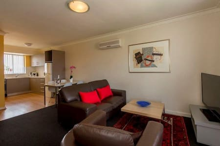 CEN5P, 2BDR IN PERTH WITH COMFORT - Apartment