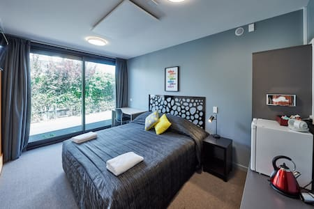 Double room with shared facilities - Wohnung