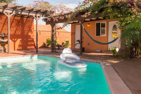 Poolside Private Casita in West LA - Los Angeles - Villa