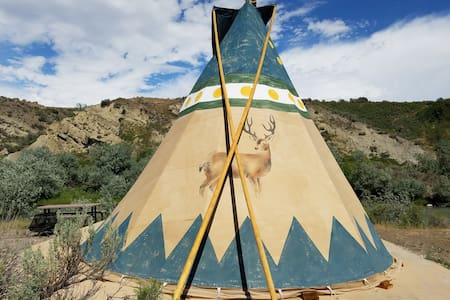 Cody Trout Ranch Camp Deer Tipi - Cody - Tipi