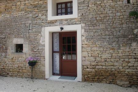 Les Noyer, Le Grand Lieu - Overig