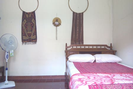 Indonesian Style Local Room - Homestay in Serpong - Hus