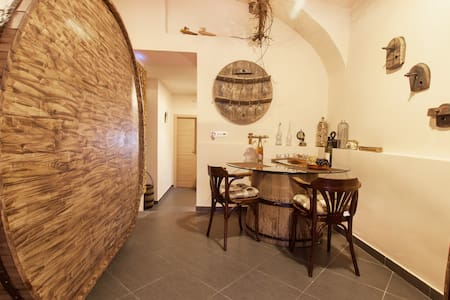 Wine Cellar Fabrka City center - Apartment