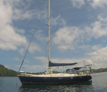 Pyla Boat - Hajó