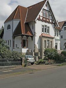 Gästezimmer in einer denkmalgeschützten Villa - Bückeburg