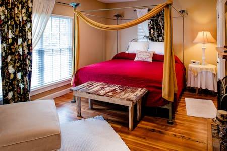 Prince~Fleming Haus - Bed & Breakfast