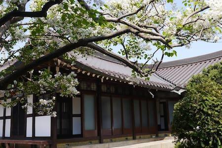 목포1935 춘화당 - Yeongsan-ro 59beon-gil, Mokpo-si - Guesthouse