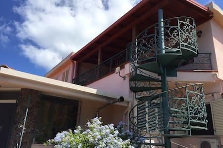 Le Jucche casa vacanze - Villa San Giovanni - Andet