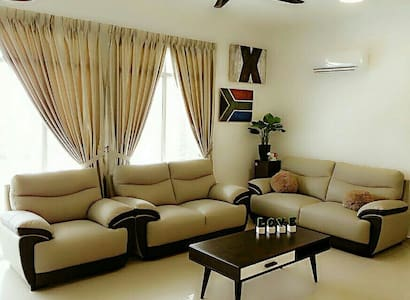 Good venue NEW unit for 9 pax with Aircon - Bayan baru