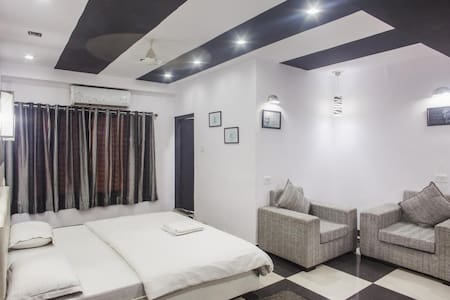 Hotel The Space - Udaipur - Bed & Breakfast