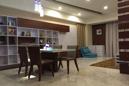 Cozy & Luxury 2br Apt in Menteng - Leilighet