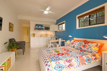 Wynnum Manly Studio by the Bay - Wynnum - Apartment