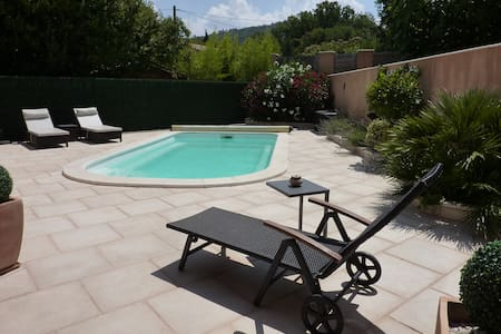 Au Petit Nid d'Amour - Rocbaron - Bed & Breakfast
