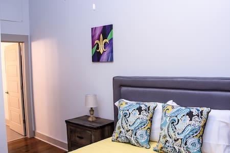 French Quarter Passion - New Orleans - Condominium