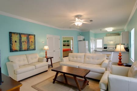 Upgraded Villa with Granite in Kitchen, Premium Furnishings, Pool, Pets Okay!! - Orange Beach