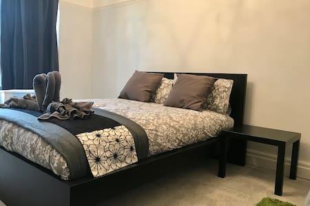 Cozy, modern, clean, private room - Lytham Saint Annes