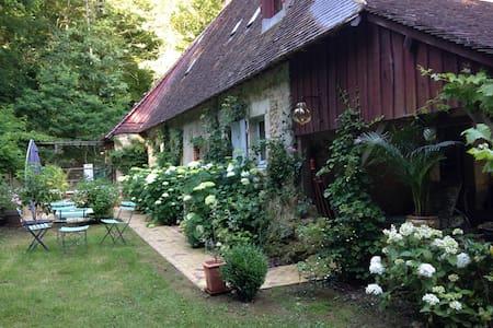 Joli cottage en lisière de forêt - House