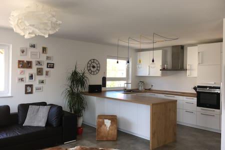 Moderne 4 Zimmerwohnung in Maisach - Pis