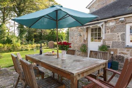 Beautiful farmhouse near the sea - Cornwall - Bed & Breakfast