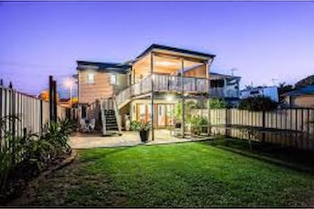 Fully self contained private downstairs Retreat - Woody Point