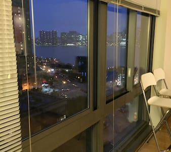 View of Manhattan and East river. Huge luxury! - Queens - Apartment
