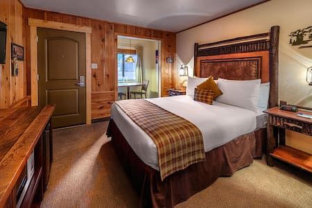 Cozy Studio Cabin for 2 - Blockhütte