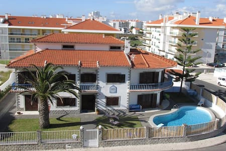 Santa Beach House - Private Room - Silveira - Haus