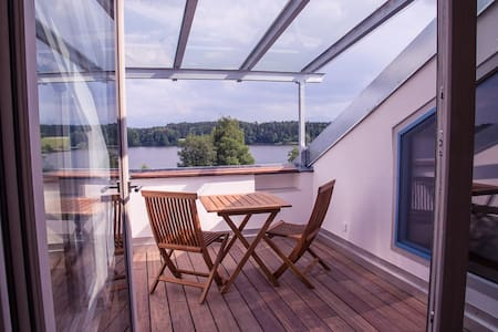 Direkt am See, moderne FeWo Loggia - Bad Endorf - Wohnung