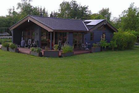 Sommerhus i salling - Hytte