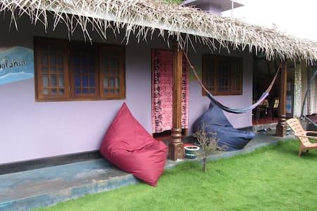 AC Room Kalpitiya / Gloria Guest Rooms - Kalpitiya