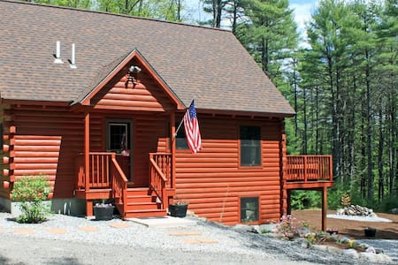 Black Bear Log Cabin (Maine - Southern Maine) - Harrison - Cottage