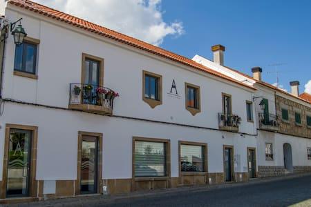 ALTITUDE - Alojamento em Belmonte - Casa
