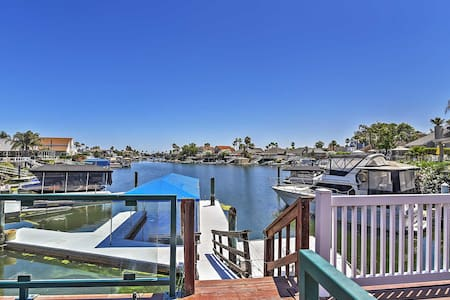 Magnificent Waterfront 3BR Discovery Bay House - House
