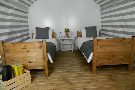 Edinburgh Festival Glamping Pod - Ingliston - Cottage