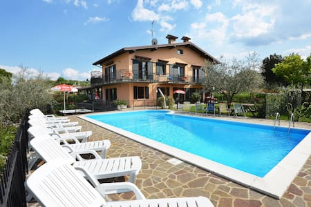 apartments with pool and garden - Solarolo