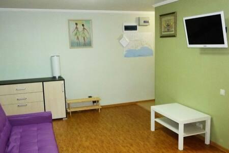 Студия в центре Сухума - Sukhumi - Квартира