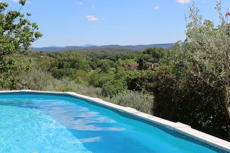 A three-bedroom villa in the Var countryside - Cotignac - House
