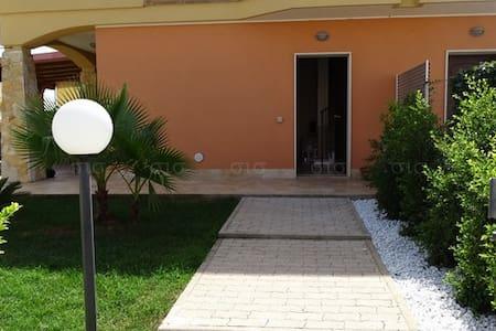 Villa in affitto vacanza nel Salento - Santa Maria al Bagno - Villa