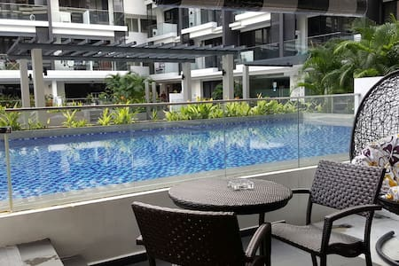 Entire apt with balcony pool access