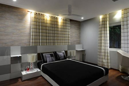 Stay with festoon like interiors - Hyderabad - Apartment