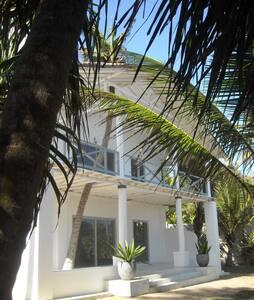 Villa ORO splendid & unique design - Ranna - Casa de camp