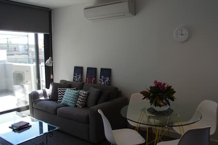2bed 10mins - beach, 15mins to MCG
