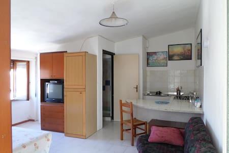 monolocale molto carino in Sardegna - Apartamento