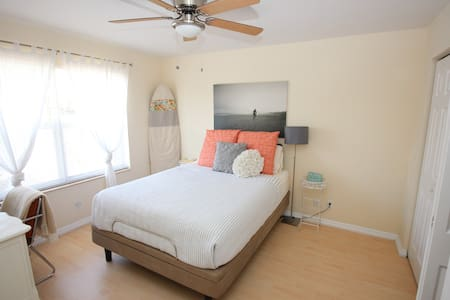 Cozy Room, Bikes, & Beach. - Deerfield Beach - Casa