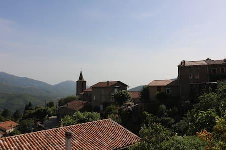 Village près Ajaccio au calme - Vero