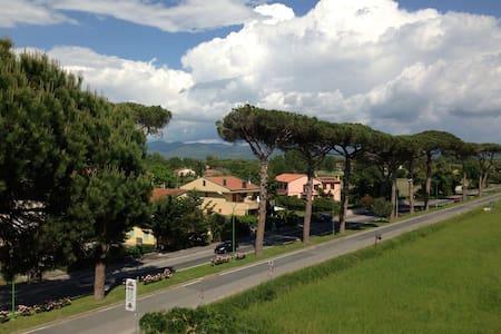 Mare, pineta e  grandi vini di Bolgheri - Wohnung