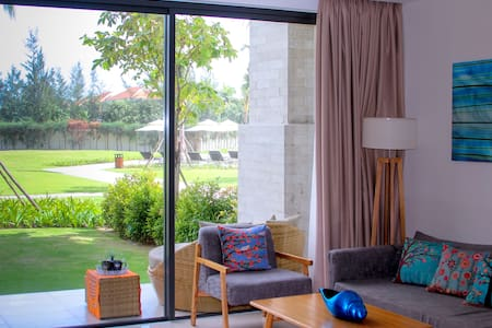 Garden & Pool Apartment in 5* Ocean Villas Resort - Da Nang  - Appartement